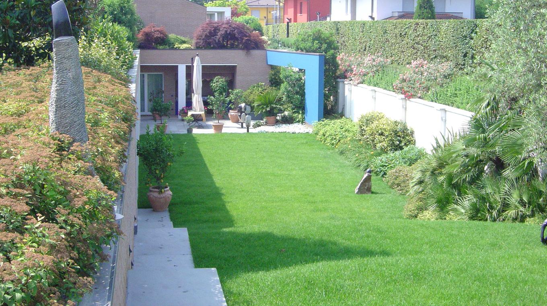Progettazione spazi verdi privati for Progetti di giardini