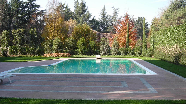 Green design for Giardino con piscina